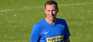 Hráč z bundesligy ještě v krajském přeboru nehrál. Jan Šimák si prodlužuje kariéru u Sokola Lom.