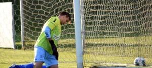 Za vyloučeného brankáře Hanuše dochytal v Týně záložník Protivína Zbyněk Vorel, který právě inkasoval druhý gól.